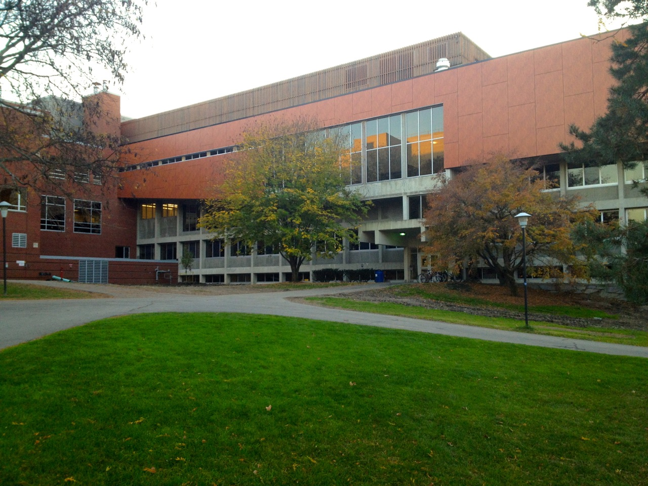 Ithaca_College_Whalen_Center_Hill_103023