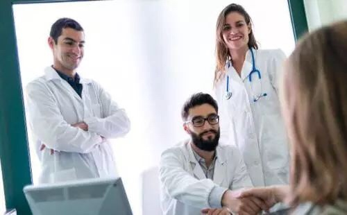 意大利新人须知: 在意大利生病了?! 家庭医生&私人医生&急诊就医你必须知道的……