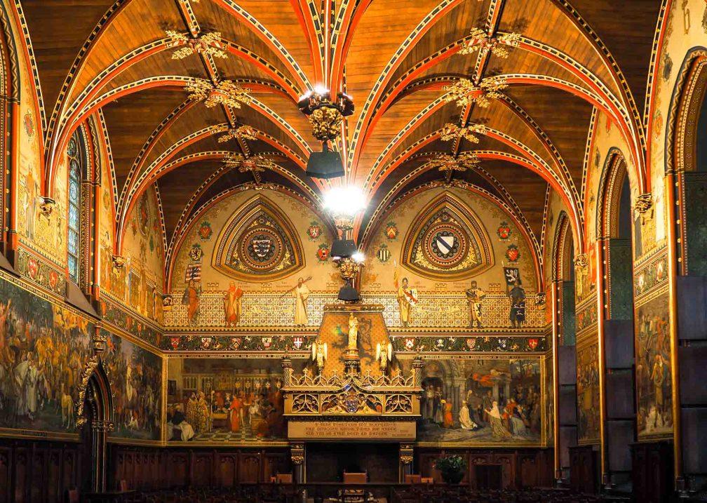 L'hôtel de ville salle gothique