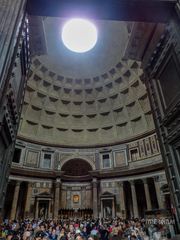 Pantheon-inside-Rome