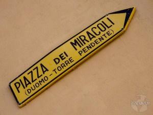 Piazza dei Miracoli sign