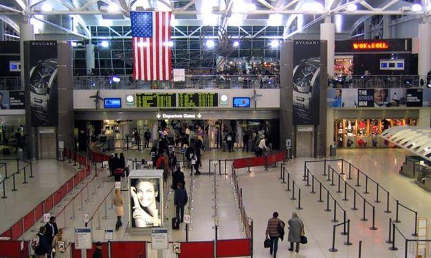 Επιπλέον μέτρα στα αεροδρόμια των ΗΠΑ ζητούν οι επιβάτες