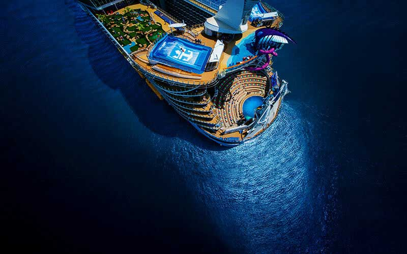 «Symphony of the Seas», το μεγαλύτερο κρουαζιερόπλοιο σαλπάρει το 2018