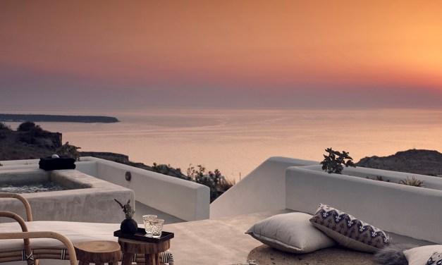 Ανοίγει την Δευτέρα το Santo Maris Oia Luxury Suites & Spa