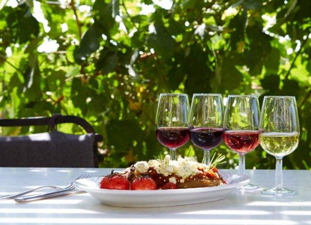 Γευσιγνωσία κρασιών έκθεση «Vedema» στην Σαντορίνη
