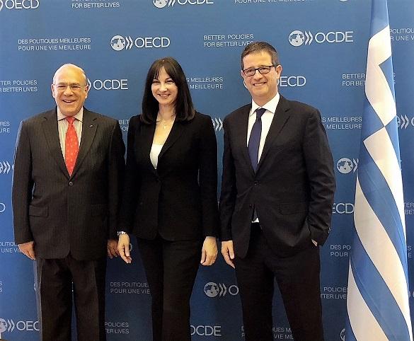 Συνάντηση της Υπουργού Τουρισμού Έλενας Κουντουρά με τον Γ.Γ. του ΟΟΣΑ Angel Gurría  στο Παρίσι, για την ενδυνάμωση της συνεργασίας Ελλάδας- ΟΟΣΑ στον τουρισμό.