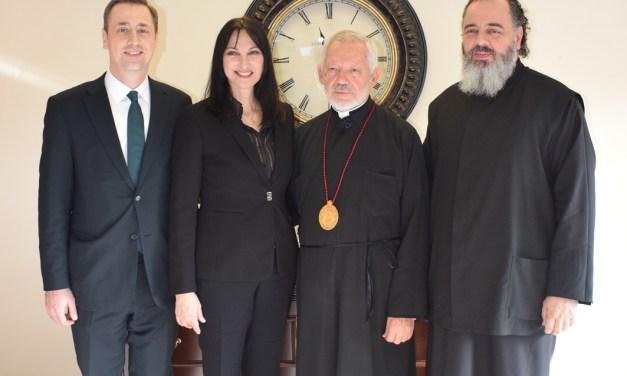 Συνάντηση της Υπουργού Τουρισμού Έλενας Κουντουρά με το Σεβασμιότατο Μητροπολίτη Τορόντο κ. Σωτήριο