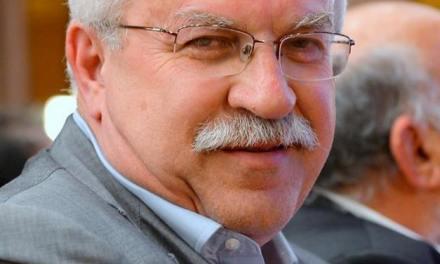 Δημήτρης Γάκης: «Νησιωτική Συνταγματική Αναθεώρηση»