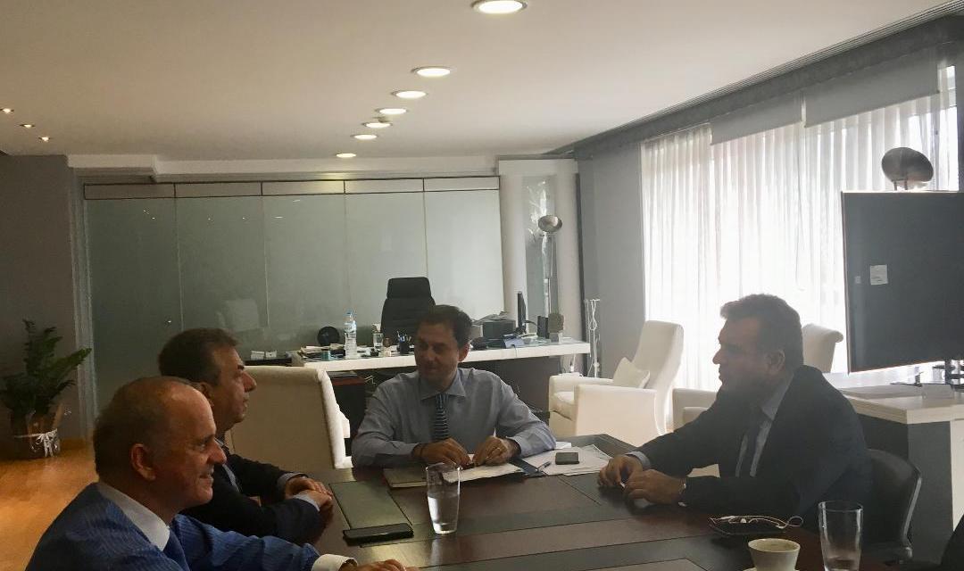 Συνάντηση με τον Περιφερειάρχη Κρήτης κ. Σταύρο Αρναουτάκη είχε το πρωί της Τρίτης ο υπουργός Τουρισμού κ. Χάρης Θεοχάρης.