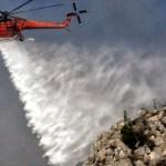 Καλύτερη εικόνα στη Ζάκυνθο, δεν απειλούνται χωριά, σε ύφεση η πυρκαγιά στο Λουτράκι