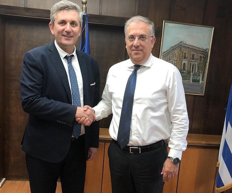 Συνάντηση εργασίας Δημάρχου Αρταίων, Χρήστου Τσιρογιάννη  με τον Υπουργό Εσωτερικών, κ.Τάκη Θεοδωρικάκο και τον Γενικό Γραμματέα του Υπουργείου Πολιτισμού κ. Γιώργο Διδασκάλου.