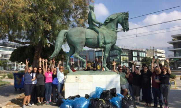 H Amadeus Hellas καθαρίζει την παραλία Αλίμου