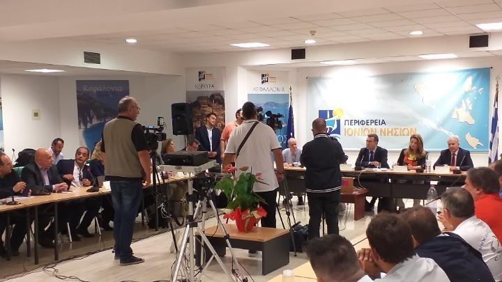Συνάντηση εργασίας με τους παραγωγικούς και τουριστικούς φορείς και ενώσεις της περιοχής είχε το κλιμάκιο του υπουργείου Τουρισμού