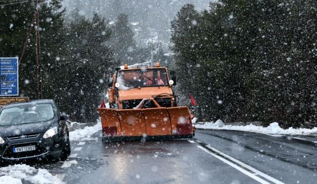 """Συνεχίζεται η επέλαση της """"Ζηνοβίας"""": Χιόνια, χαμηλές θερμοκρασίες και προβλήματα"""