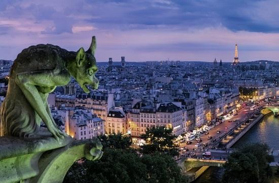 Κλείνουν καφέ και μπαρ στο Παρίσι για τον περιορισμό του κορονοϊού