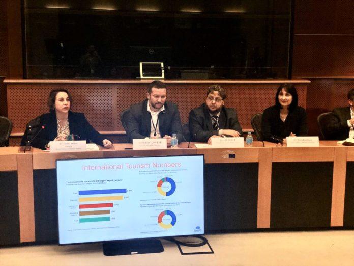 Ουσιαστική στήριξη του τουριστικού τομέα στην Ευρώπη, ζητά η Έλενα Κουντουρά