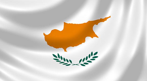 Η Κύπρος ανακαλεί την απόφαση για τους ταξιδιώτες απο το Ηνωμένο Βασίλειο