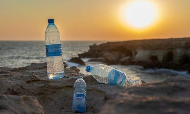 Αναβάλλεται η εκδήλωση για την καμπάνια «Plastic Free Santorini»