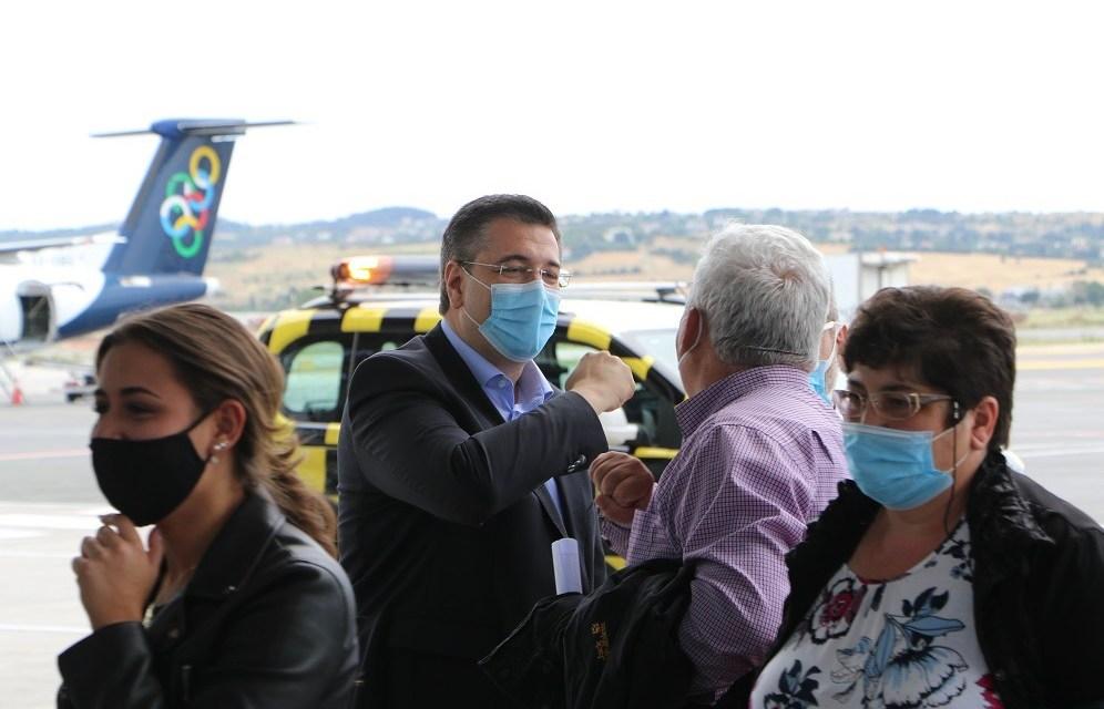 Υποδοχή της πρώτης πτήσης στο αεροδρόμιο «Μακεδονία» – Α. Τζιτζικώστας: «Η φετινή τουριστική περίοδος αρχίζει με απόλυτη ασφάλεια, αλλά απαιτείται ιδιαίτερη προσοχή»