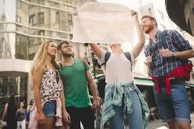 Ρυθμίζονται οι όροι και οι προϋποθέσεις για το επάγγελμα του τουριστικού συνοδού
