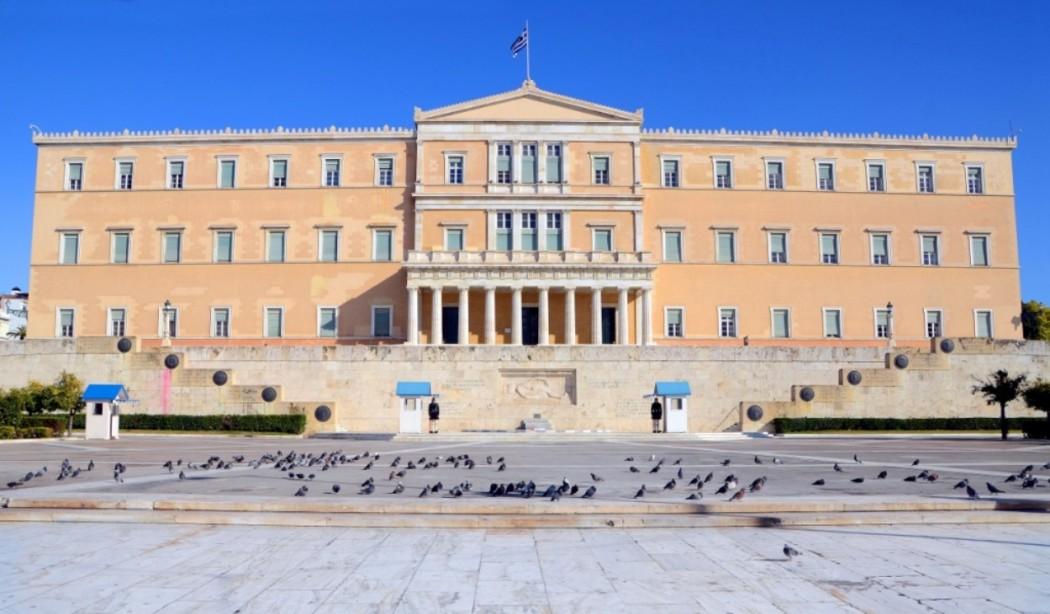 Με πλειοψηφία ψηφίστηκαν οι επείγουσες διατάξεις του Υπουργείου Τουρισμού για τα μέτρα κατά του κορονοϊού