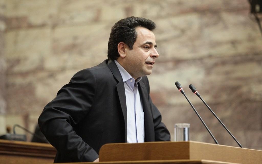 «Ν. Σαντορινιός:  Με χυδαίους αντιπερισπασμούς η Κυβέρνηση αποφεύγει να απαντήσει στην κραυγή αγωνίας ολόκληρης της κοινωνίας»
