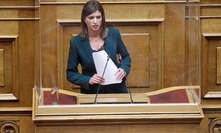 Κ.Νοτοπούλου: Η κυβέρνηση να αφήσει την επικοινωνία και να εργαστεί για το καλό της χώρας