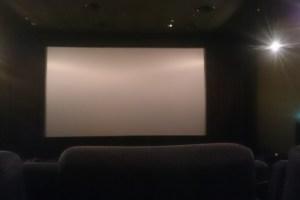 映画館スクリーン
