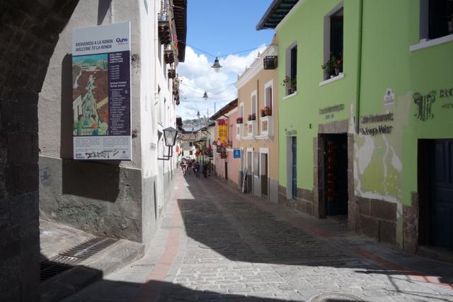 Quito - 07laronda1