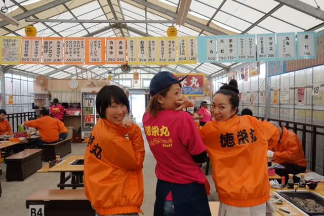 女性や初心者にも親切な、糸島の牡蠣小屋「徳栄丸」