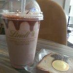 『リンツ ショコラ カフェ 自由が丘店』でのんびりチョコレートの時間
