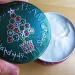『STEAMCREAM(スチームクリーム)』のクリスマス限定デザイン缶を買ったよ