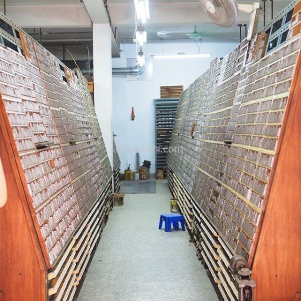 最近、テレビで紹介された活字の店、日星鑄字行。鉛で作った小さい活字が並んでいる!夫が自分の名前の活字印鑑を作ったよ。#台湾 #台北 #活字 #印鑑 #日星鑄字行
