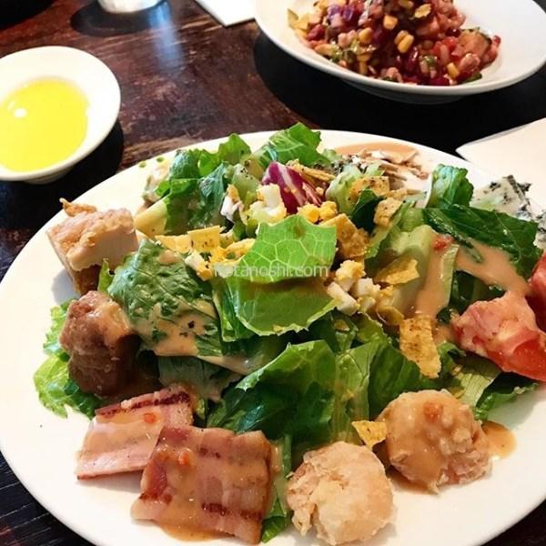 6th(シクス)by ORIENTAL HOTEL でランチ。コブサラダをいただきました!#6thbyorientalhotel #シクスバイオリエンタルホテル #シクス #オリエンタルホテル #6th #orientalhotel #有楽町 #日比谷 #イタリアン #レストラン #カフェ #Cafe #ランチ #lunch #コブサラダ #サラダ #Cobbsalad #instalover #instalovers #instafood #instafoods