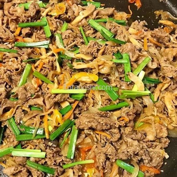 #デリッシュキツチン の #レシピ で #プルコギ をうちの特大 #ホットプレート で作ったよー。#西友 の #牛肉 は安くて美味しい♪