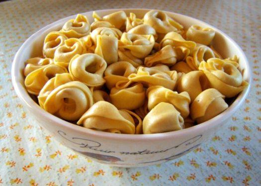A bowl of tortellini