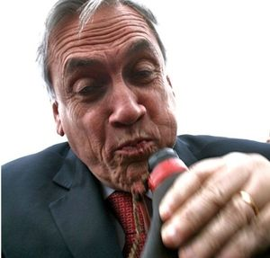 Piñera choking with water