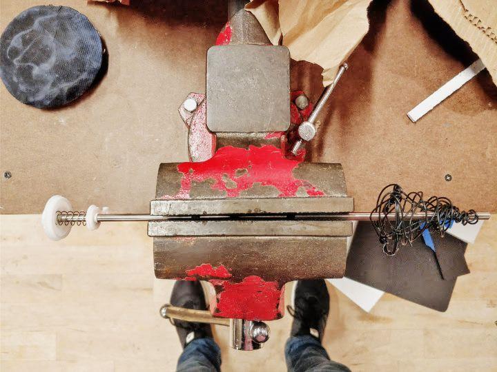 Cutting the metal rod