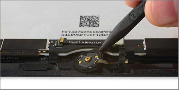 iPad air 2 screen replacement - Step 43 - seperate the gasket from the front panel