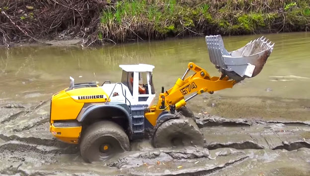RC Construction Equipment