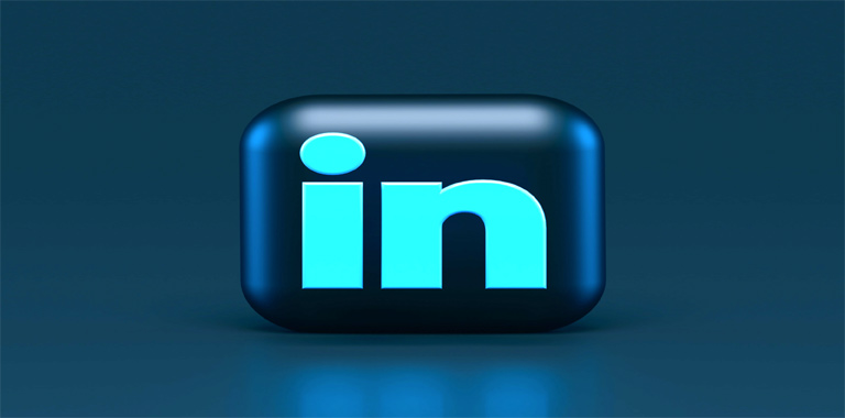 Personalized LinkedIn Connection Requests