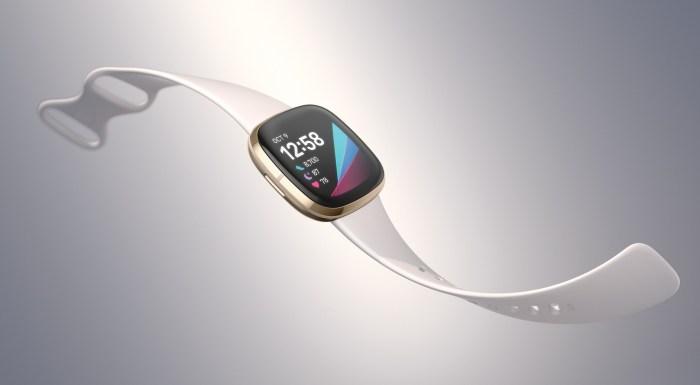 Fitbit med to nye smartklokker og et nytt aktivitetsarmbånd