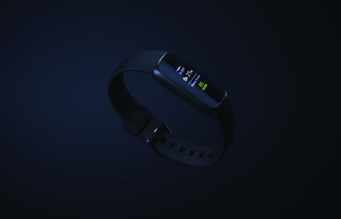 Konkurranse: Vinn Fitbit Luxe