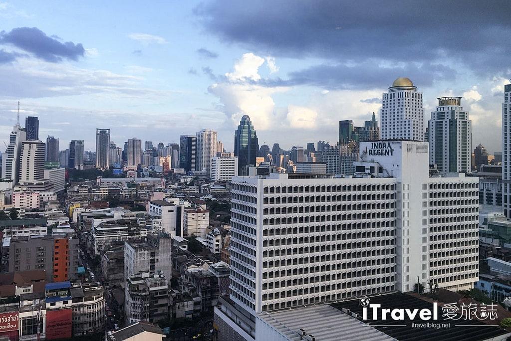 《曼谷高空餐廳》彩虹雲霄酒店自助餐:欣賞高空燦爛夜景