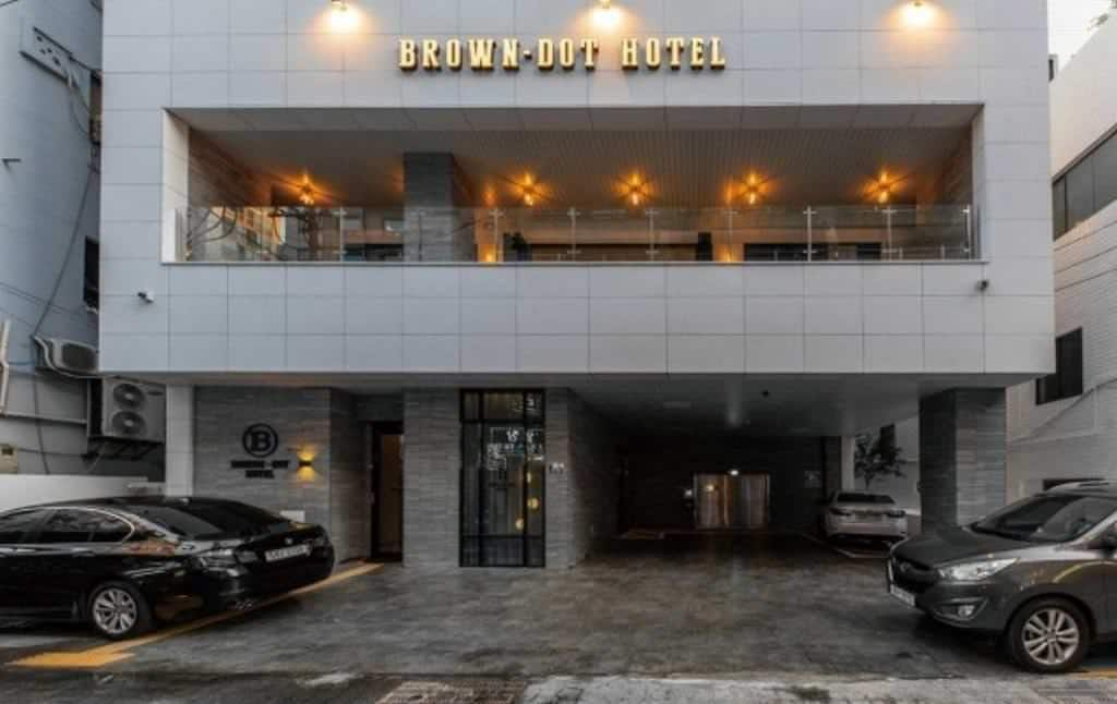 Brown-Dot Hotel Deokcheon 1