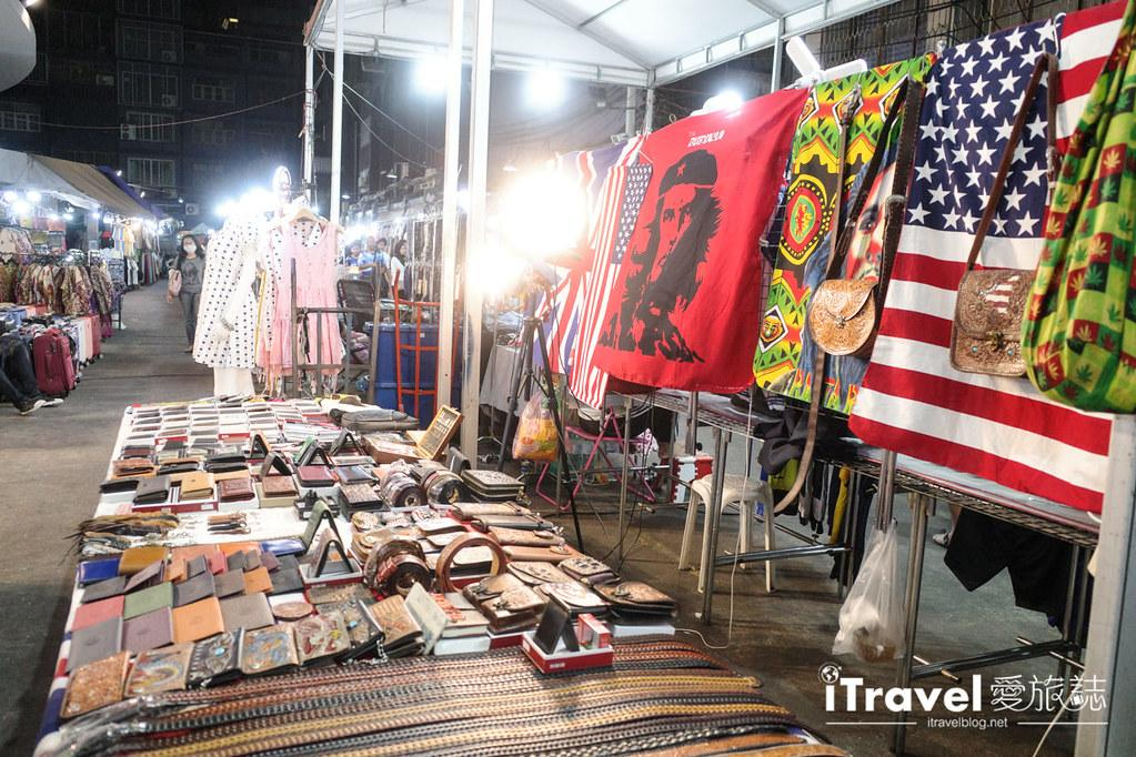 曼谷水門市場夜市 PratuNam Market (30)