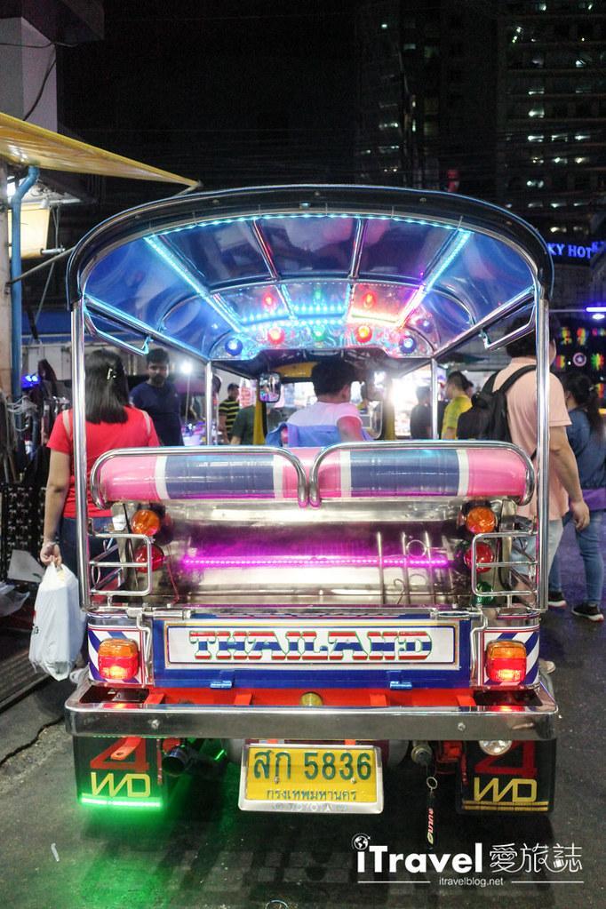 曼谷水門市場夜市 PratuNam Market (51)