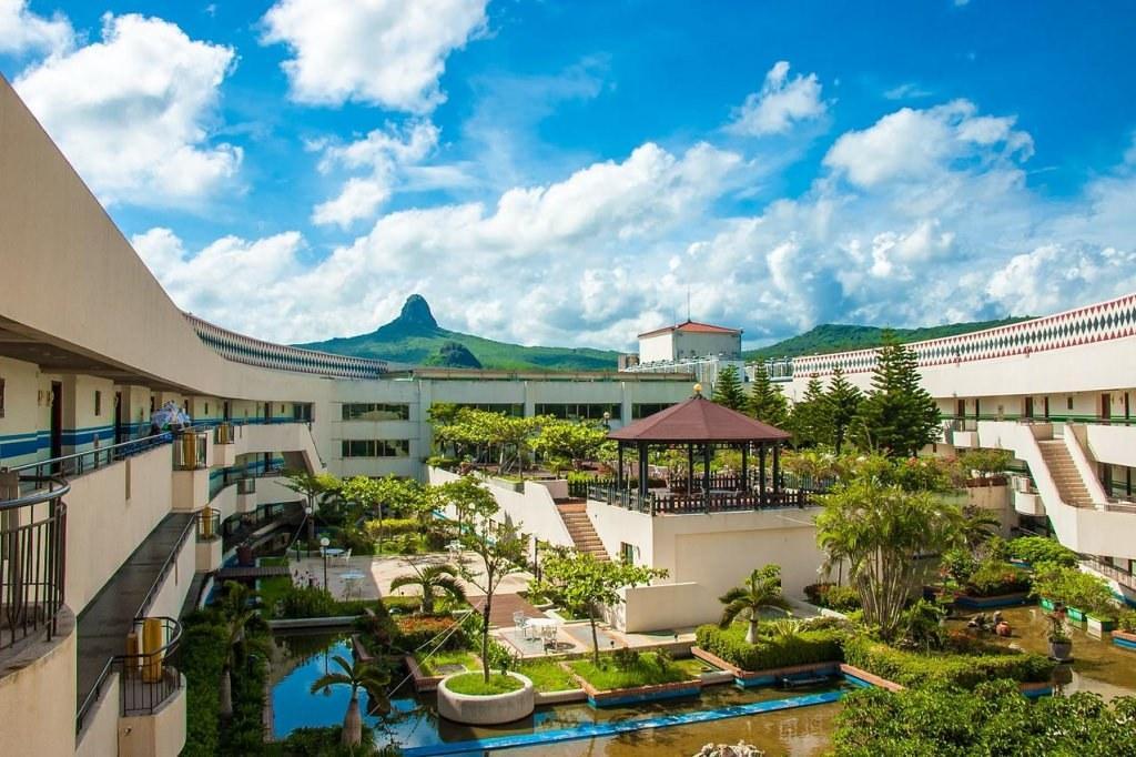 Howard Beach Resort 1