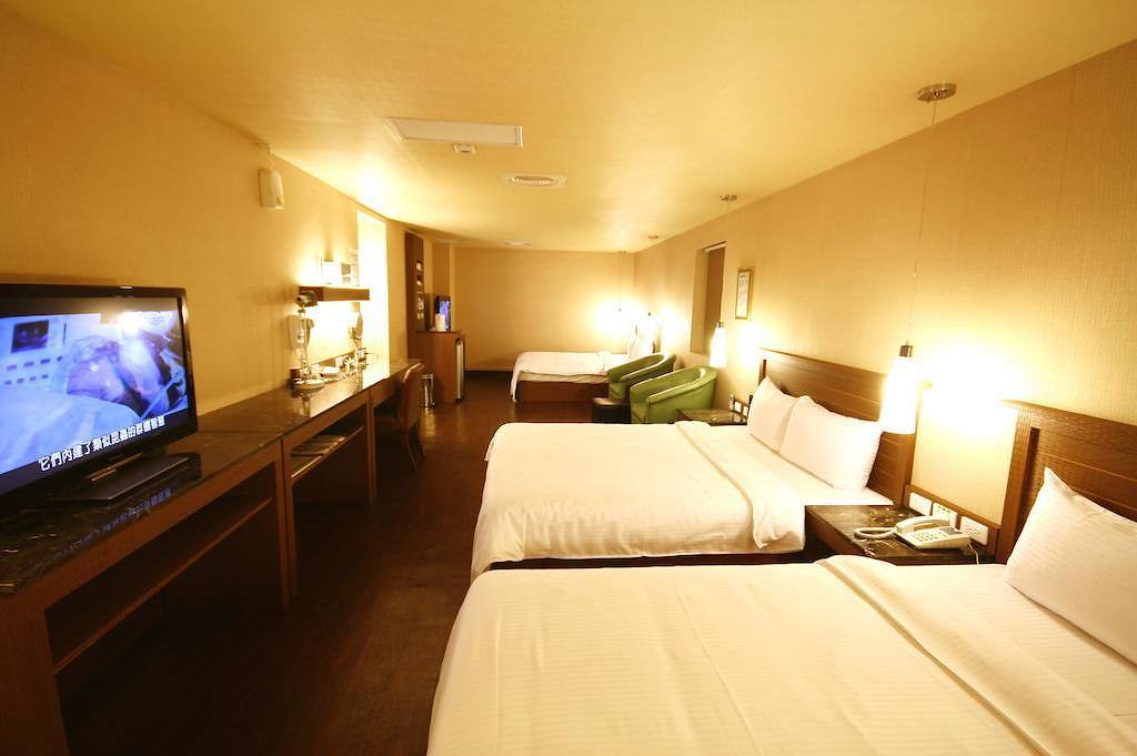 Kindness Hotel Yuanlin 2