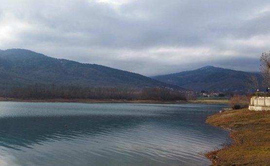 On the Road    Λίμνη Πλαστήρα: Ταξίδι στη γαλάζια λίμνη της Θεσσαλίας - iTravelling
